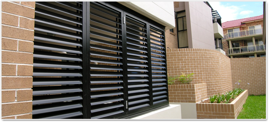 Decorating roll up window shutters inspiring photos gallery of doors and windows decorating - The rolling shutter home in bohemia ...